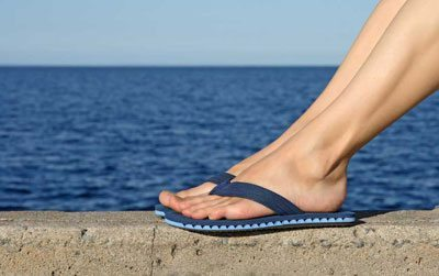 10 cool tips for surviving a summer pregnancy wear comfortable shoes