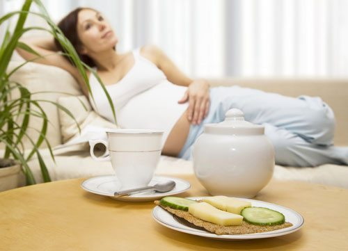 9-foods-to-avoid-during-pregnancy-unpasteurized-soft-cheese