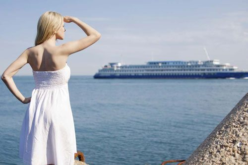 Tips for Traveling While Pregnant by Boat