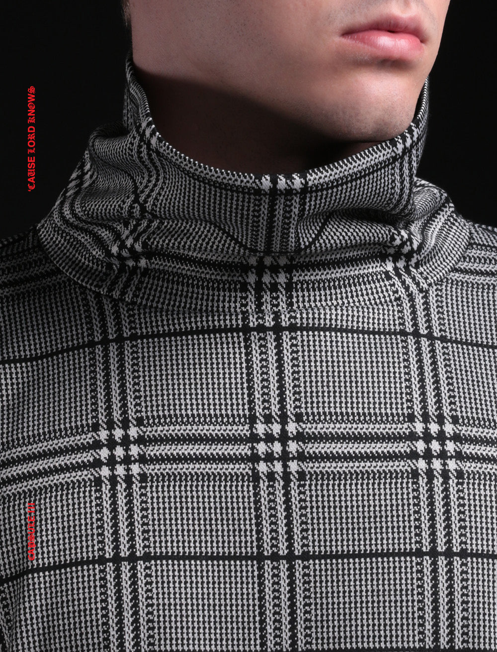 GREY CHECK TURTLE NECK