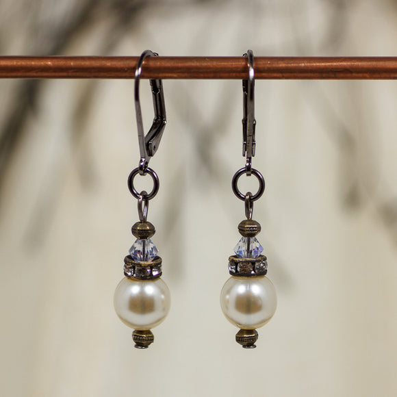 Earrings Vintage Pearl Leverback Cool Water