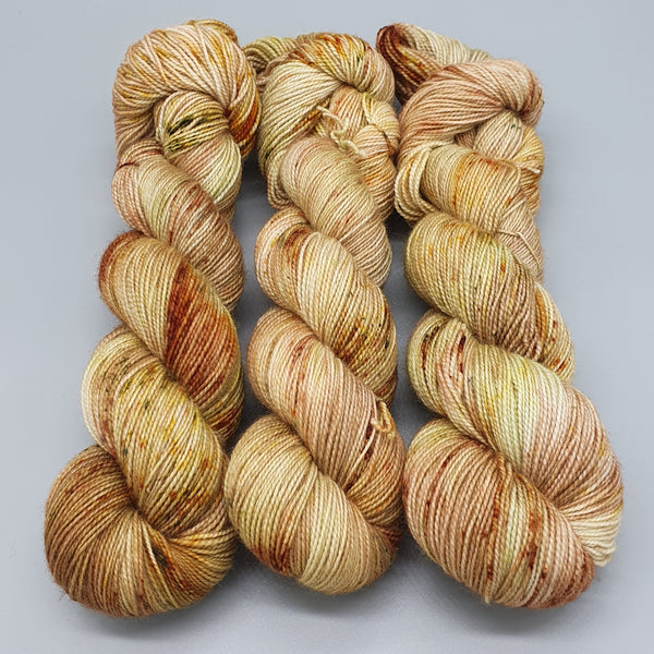The Acorn Fairy (BFL Hight-Twist)