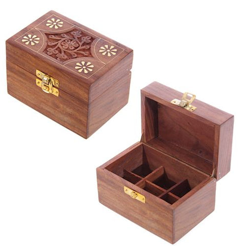 Wooden hinged lid storage box for 6 of your favourite essential oils. Holds 6 bottles safely inside.