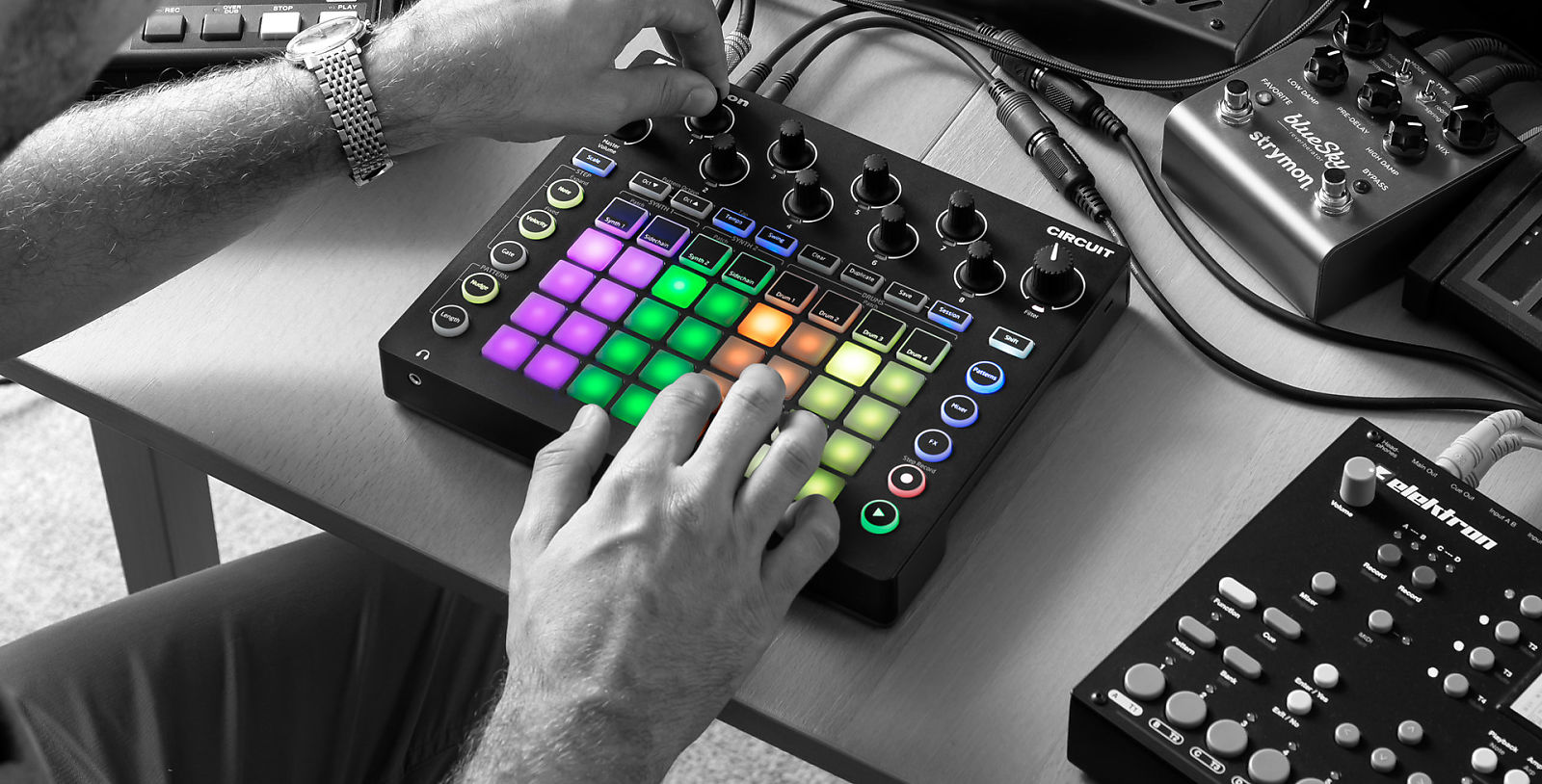 Novation Circuit | Compact, Powerful & Inspirational Grid-based Groove Box.