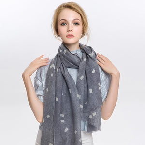 Wool Scarf Featherlight Silver Gray