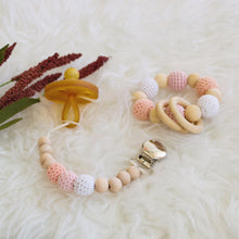 Blush Crochet Pacifier Clip Blush is a beautiful binky clip for girls! A gorgeous ombré of pinks this pacifier clip is perfect for your princess! These clips attach perfectly to any pacifier, sippy cup or teether!   - Late Night Luna