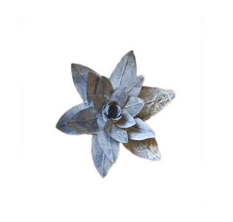 Gray Zinc Magnetic Water Lily