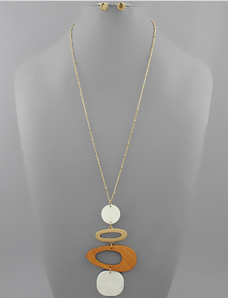 Shell and Wood Geometric Necklace