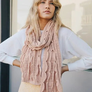 Scalloped Ruffle Knit Scarf
