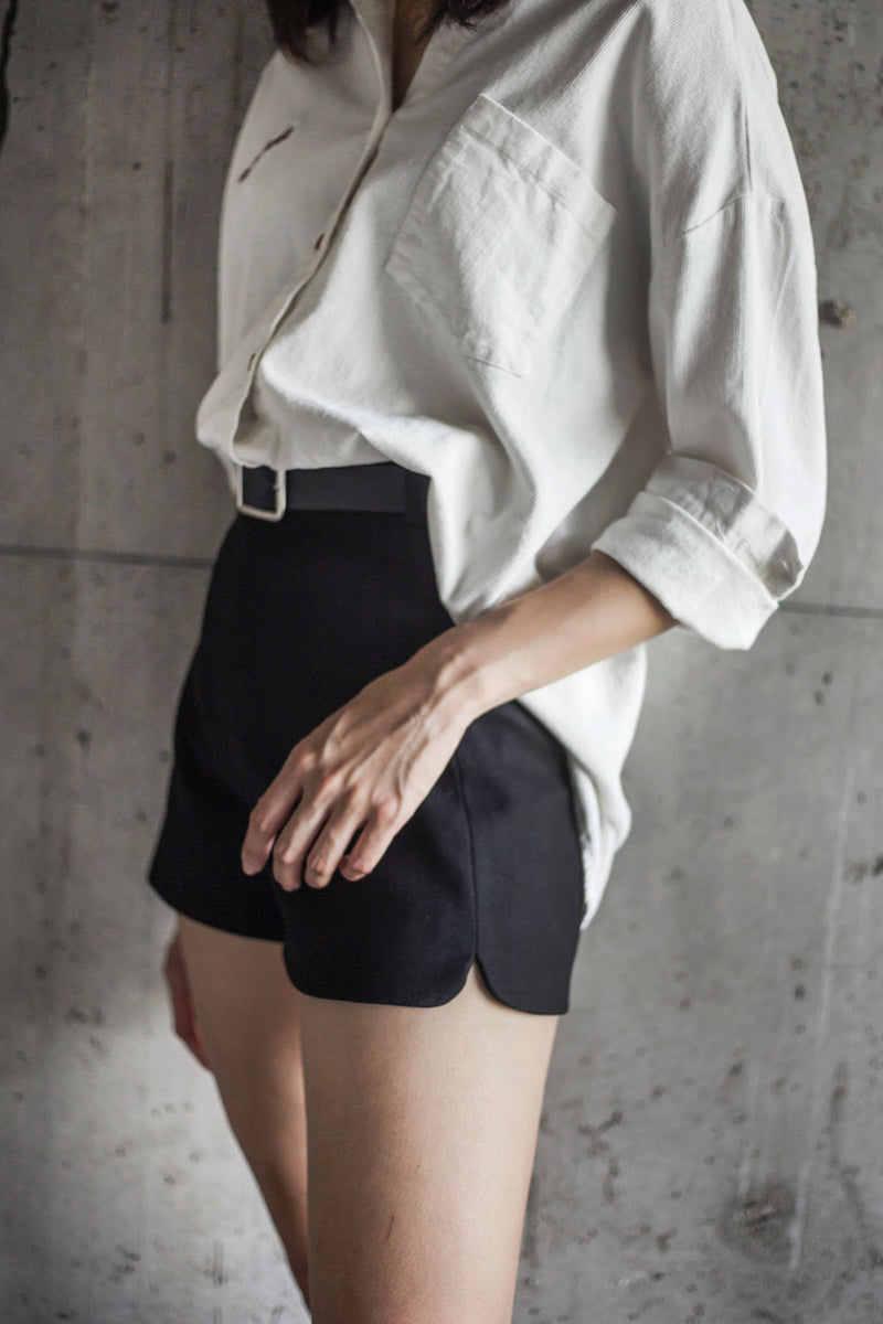 BLAQUIIN HIGHWAISTED PETITE WOMEN SHORTS - Ohnii Official Site
