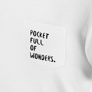 T-shirt with pocket full of wonders