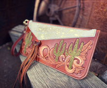 Load image into Gallery viewer, Saguaro Wristlet