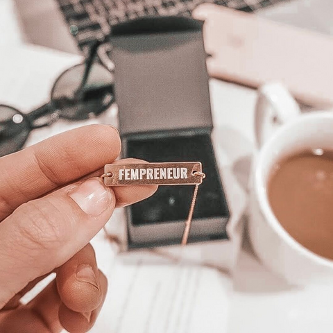 fempreneur bar neckace