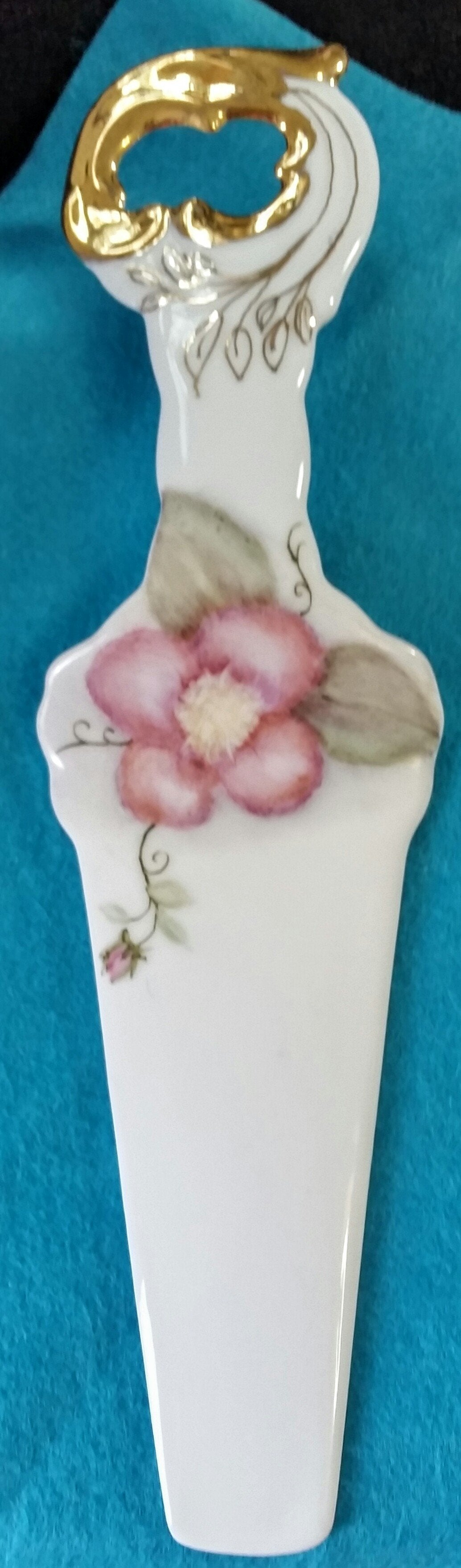 Beautiful Hand Painted Pie Server