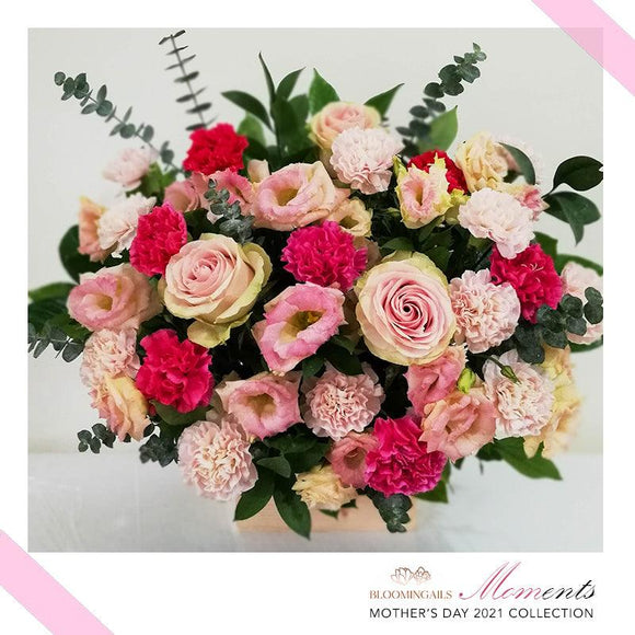 MOMents Florist Choice Crate Classic - Yellow, Pink, Red