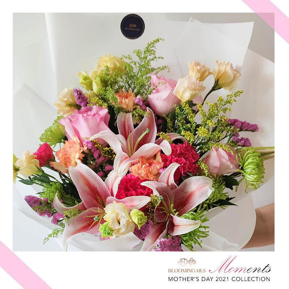 MOMents Florist Choice Pink or Yellow Grand Bouquet