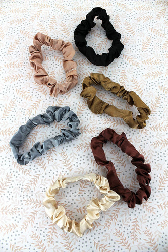 Live Your Dreams Scrunchie Set