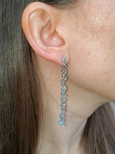 Load image into Gallery viewer, 18K Wave Aquamarine Earrings