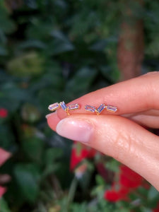 18K Wave Tanzanite Stud Earrings