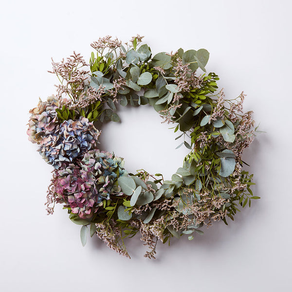 Winter Party: Make a Dried Wreath with Silver Grey Foliage