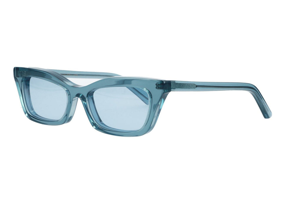 transparent_blue_frame_with_blue_lenses