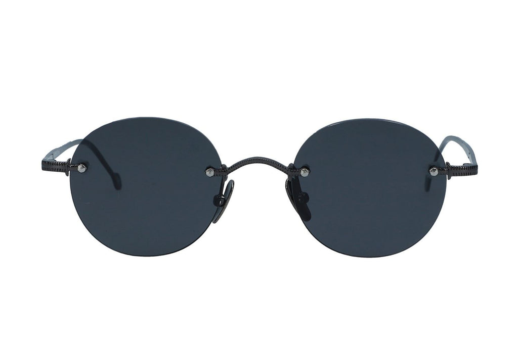 gunmetal_frame_with_grey_lenses