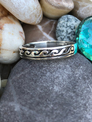 Women's Sterling Silver Vintage Tribal Wave Ring