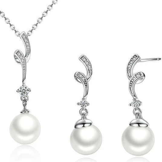 Luxe Pearl Necklace Earrings Set