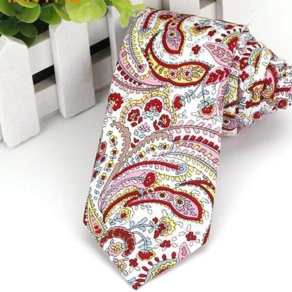 Skinny Red Pink Paisley Art