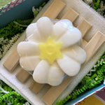 Lisa's Treasures Daisy Chain Soap