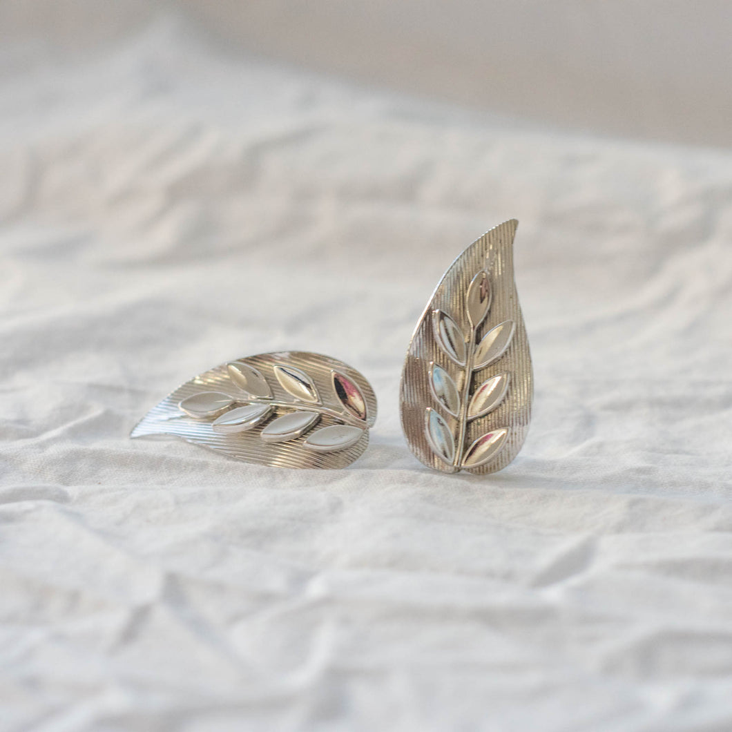 Triffari Leaf Clip On Earrings