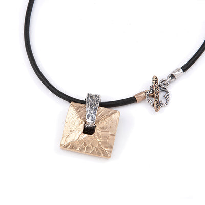 AURELIA, Pendant Necklace