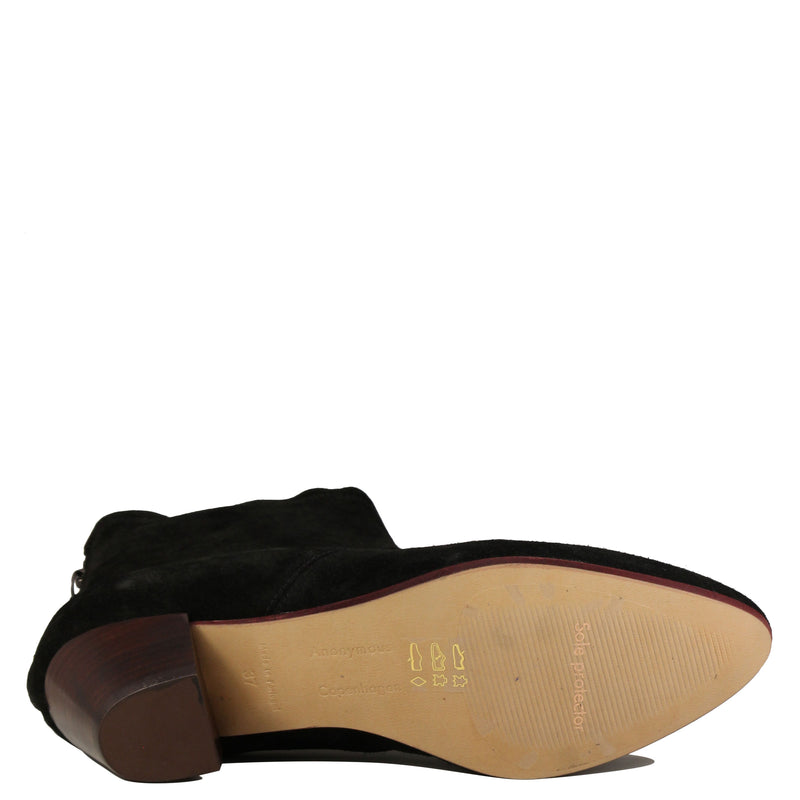 Anonymous Leah Suede Black