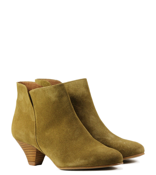 Boots en cuir velours camel Sessun You Boots Gold Suede