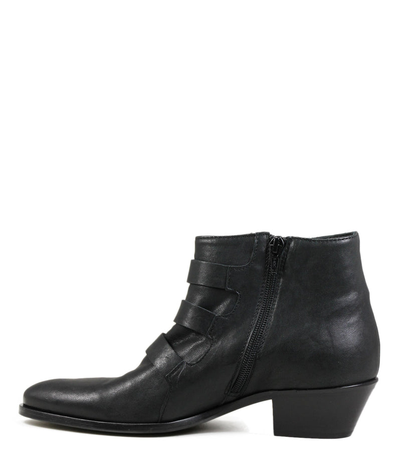 Lemare Buckl Black Leather