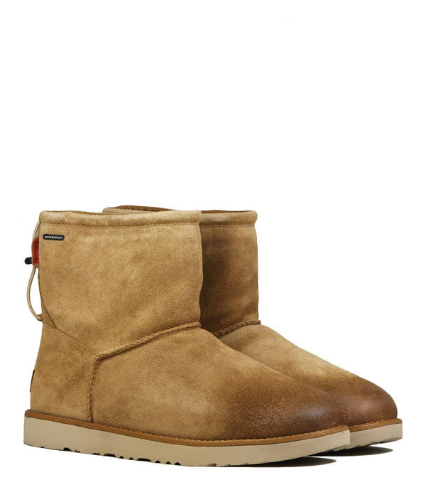 Boots fourrées UGG Classic Toggle Waterproof