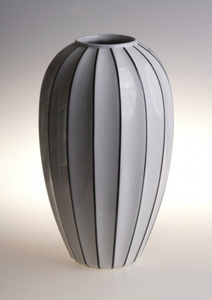 Retro stripes round vase