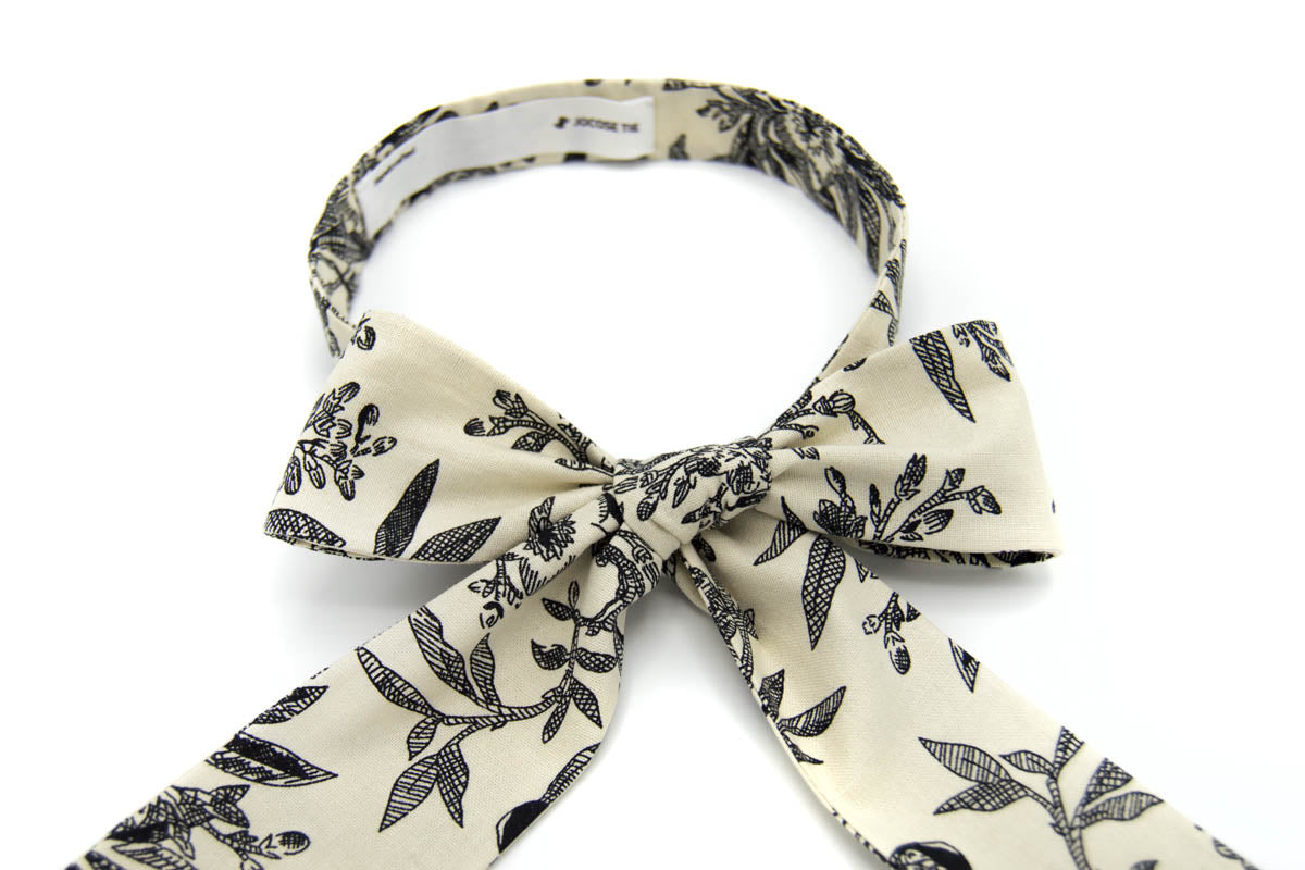 Birds and Flowers Tie