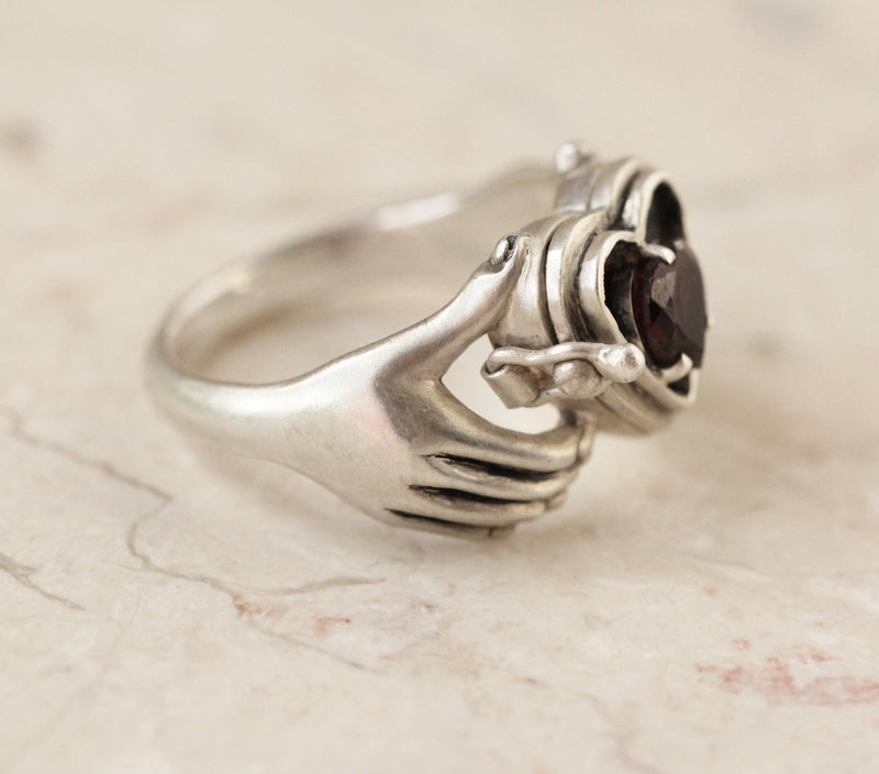 Milatu Irish Claddagh Ring