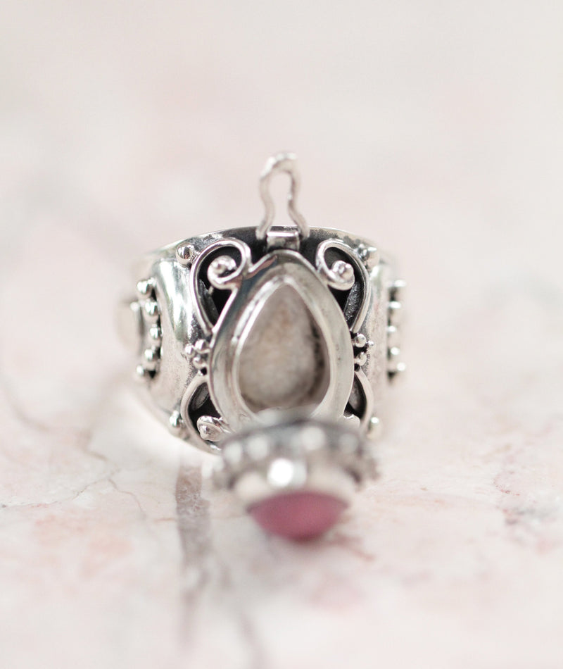 Etruscan Locket Ring Canadian Pink Jasper, Poison Ring, Jasper Ring, Secret Compartment Ring, Magical, Alchemist, Chunky Silver Ring,