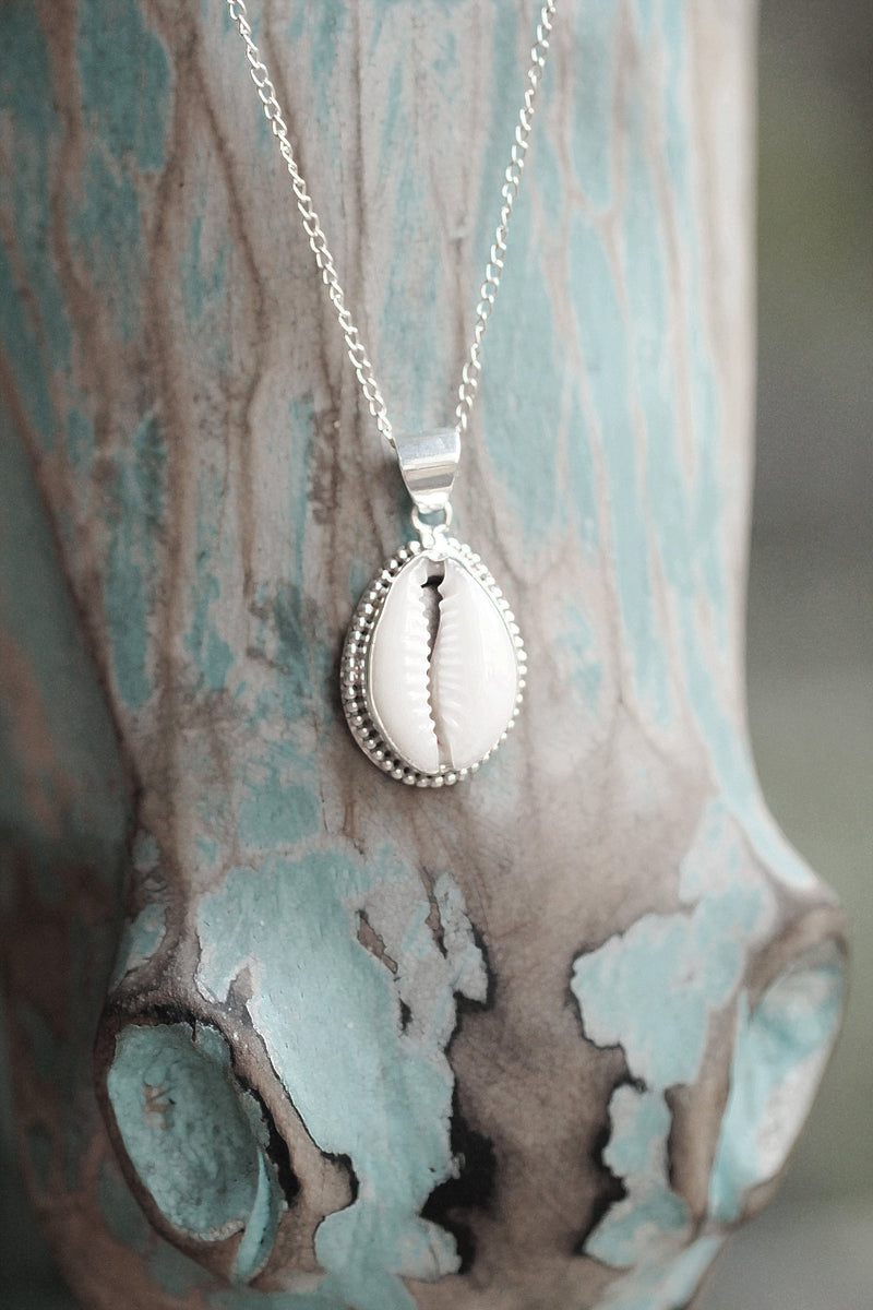 Cowrie Shell, Boho Necklace, Cowrie Necklace, 925 Sterling Silver, Simple Necklace, Trendy Necklace, Handmade, Oval Pendant, Shell Jewelry