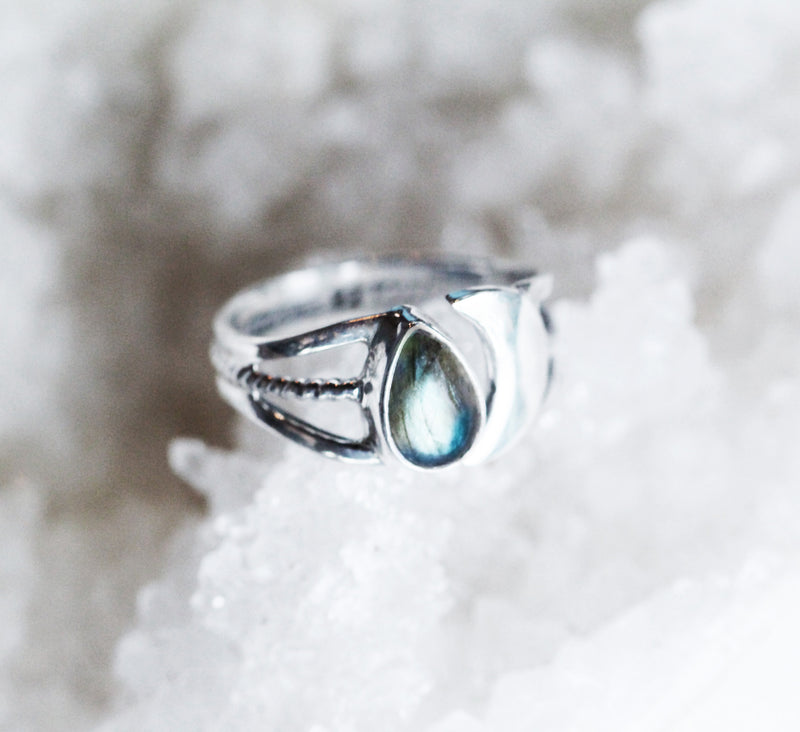 Teardrop Labradorite Ring Crescent Moon Jewelry in 925 Sterling Silver