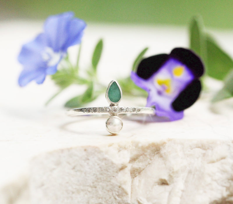 Pearl Ring, Emerald Ring, Thin Ring, Engagement Ring, Sterling Ring, Saltwater Pearl Ring, Simple Ring, Gift for Her, Teardrop Ring