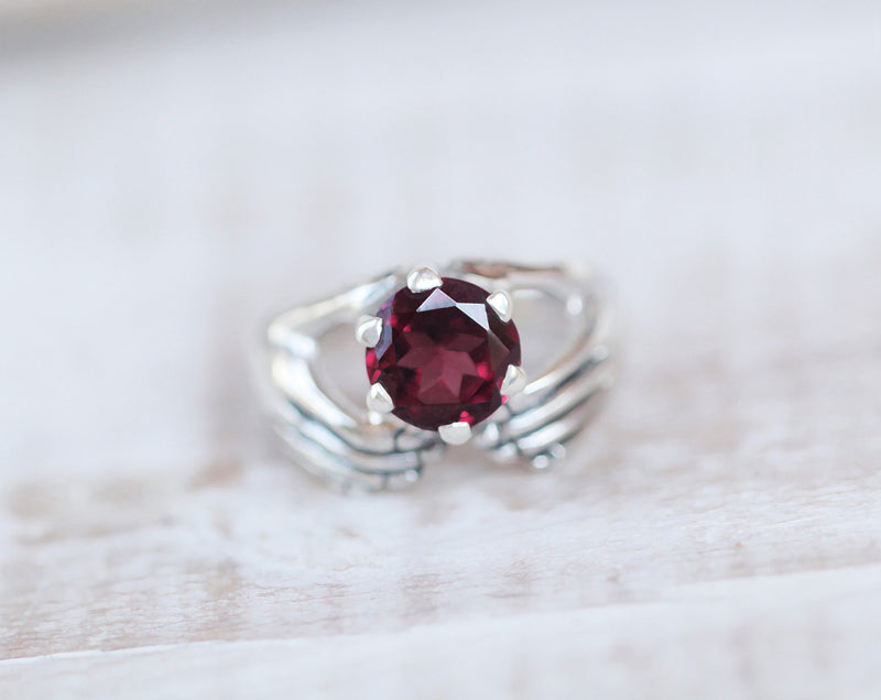 Claddagh Ring Garnet, Love and Friendship, Double Hands Ring, Boho Rings Trendy, Metaphysical Jewelry, Chakra Birthstone Gift for Her