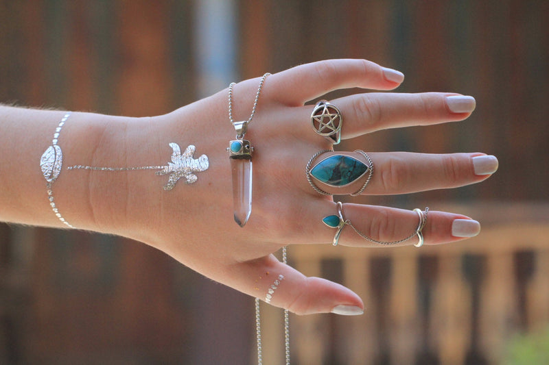 Turquoise Chevron Chain Ring, Turquoise Ring, Midi Ring, Stack Rings, Chevron Knuckle Ring, Body Jewelry, Boho Ring, Gypsy Ring, Cute Ring