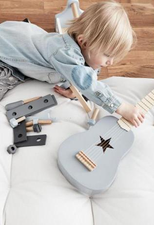 Wooden Guitar (White)