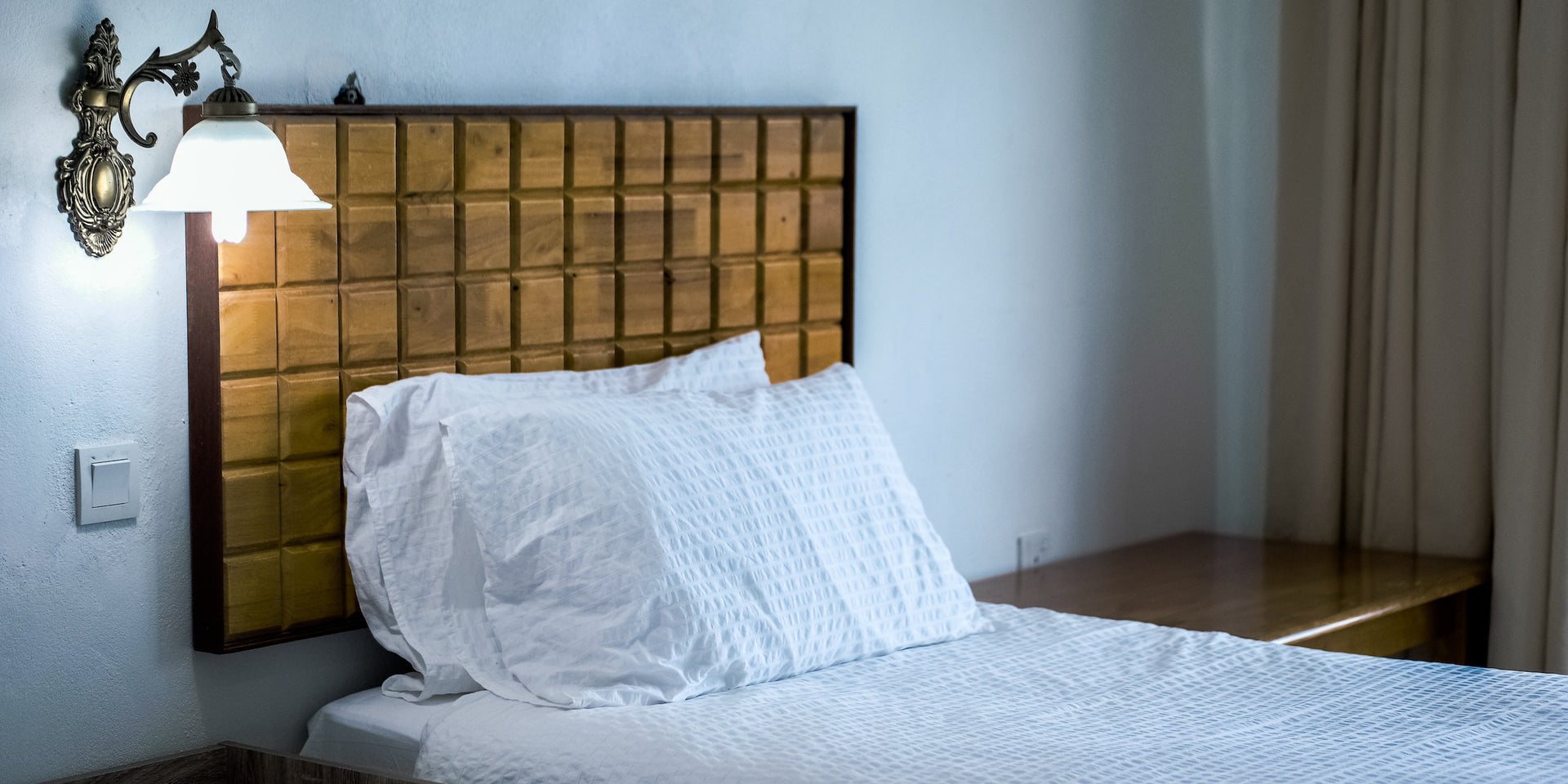 Picture of: Creative Unique And Affordable Headboard Ideas Apt2b