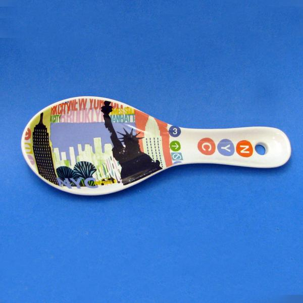 Kurt Adler NYC Icon White Ceramic Spoon Rest, SV0121