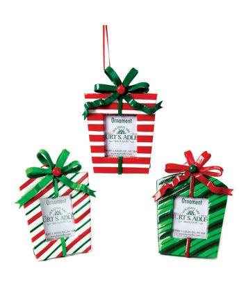 Red and White and Green Gift Box Picture Frame Ornaments, 3 Assorted