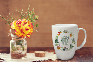 personalised knows all the dirt gardeners mug
